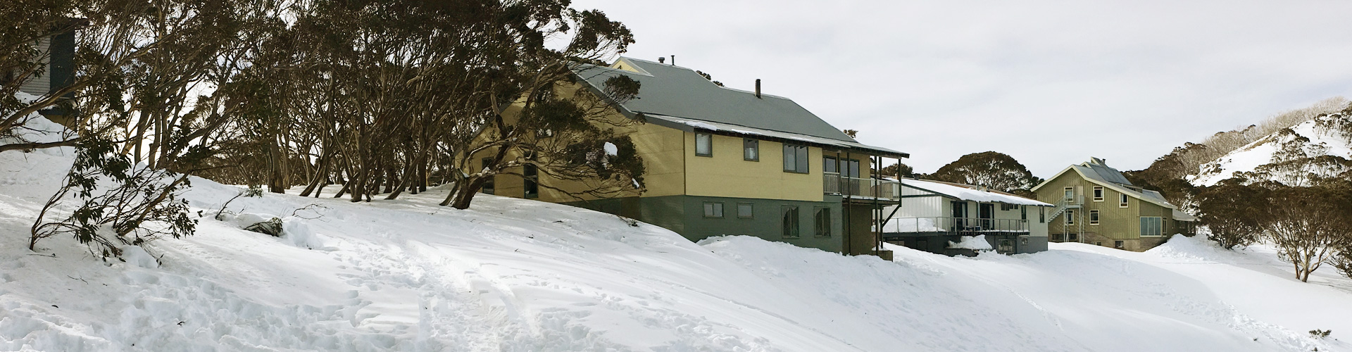 arrabri ski club hotham accommodation